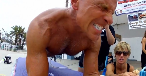 Un ancien marine bat le record du monde de gainage (5h15mn15s)
